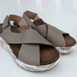 Clarks Wedge Sandals Taupe Camo Print 6
